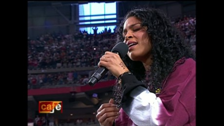 cnnee cafe top trending cantante nfl_00001816