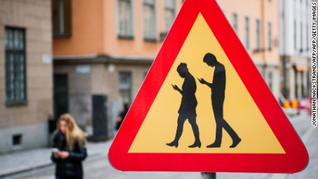 smpartphone warning sign