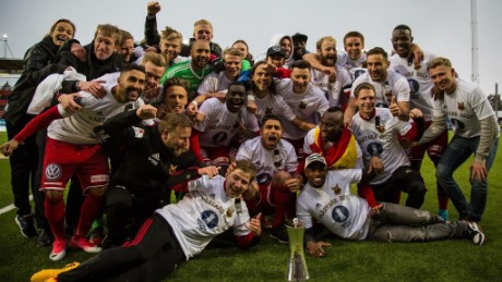 Östersunds FK celebrate the club's first ever piece of major silverware, the 2016/17 Swedish Cup.