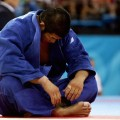 kosei inoue disconsolate cross legged athen 2004 judo japan