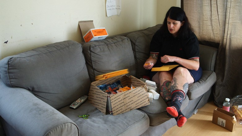 """Heroin heroine"" saves lives from her living room"