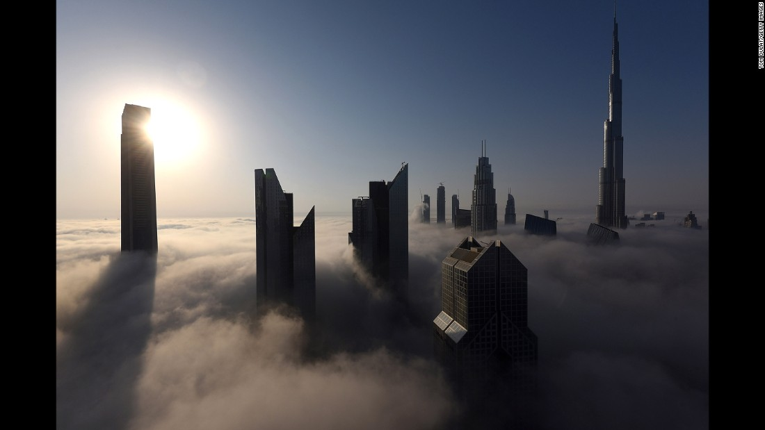 "A heavy fog engulfs the Burj Khalifa skyscraper in Dubai on Wednesday, September 27. <a href=""http://www.cnn.com/2017/09/21/world/gallery/week-in-photos-0922/index.html"" target=""_blank"">See last week in 32 photos</a>"