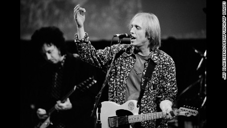 Tom Petty performing in the San Francisco Bay area. October 2, 1991  ** NO GERMANY *** © Jay Blakesberg / MediaPunch/IPX