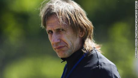 Peru's manager Ricardo Gareca attends a practice during a training session at Montclair State University in New Jersey, on June 14, 2016. Peru will face Colombia on June 17 in their Quarter-finals match of the Copa America. / AFP / EDUARDO MUNOZ ALVAREZ        (Photo credit should read EDUARDO MUNOZ ALVAREZ/AFP/Getty Images)