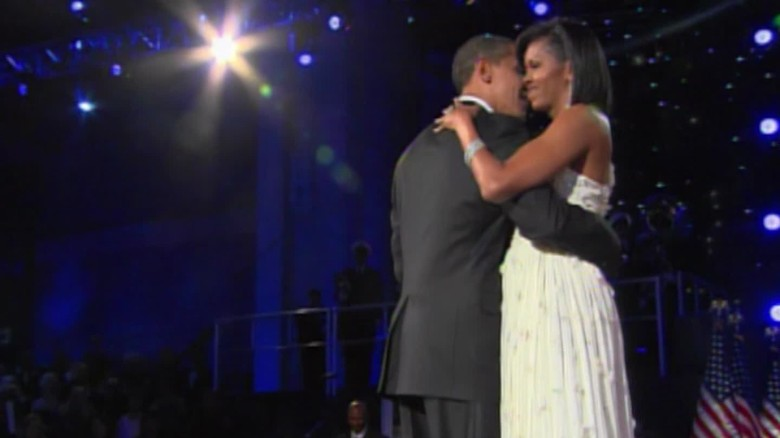 Obamas celebrate 25th wedding anniversary