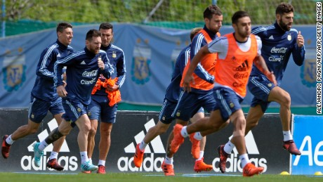 Argentina's forward Lionel Messi (2nd-L) and teammates take part in a training session in Ezeiza, Buenos Aires on October 8, 2017 ahead of a 2018 FIFA World Cup South American qualifier football match against Ecuador to be held in Quito on October 10.  / AFP PHOTO / ALEJANDRO PAGNI        (Photo credit should read ALEJANDRO PAGNI/AFP/Getty Images)