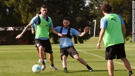 Uruguay's Rodrigo Bentancur and Nahitan Nandes (R) take part in a training session on October 7, 2017, at the Complejo Celeste training center in Barros Blancos, Canelones, Uruguay, ahead of their FIFA 2018 World Cup qualifier match against Bolivia next October 10. / AFP PHOTO / MIGUEL ROJO        (Photo credit should read MIGUEL ROJO/AFP/Getty Images)