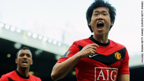 MANCHESTER, ENGLAND - MARCH 21:  Ji-Sung Park of Manchester United celebrates after scoring the winning goal with team mate Nani during the Barclays Premier League match between Manchester United and Liverpool at Old Trafford on March 21, 2010 in Manchester, England.  (Photo by Michael Regan/Getty Images)