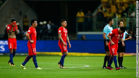 SAO PAULO, BRAZIL - OCTOBER 10: Players of Chile react after losing the match between Brazil and Chile for the 2018 FIFA World Cup Russia Qualifier at Allianz Parque Stadium on October 10, 2017 in Sao Paulo, Brazil. (Photo by Alexandre Schneider/Getty Images)