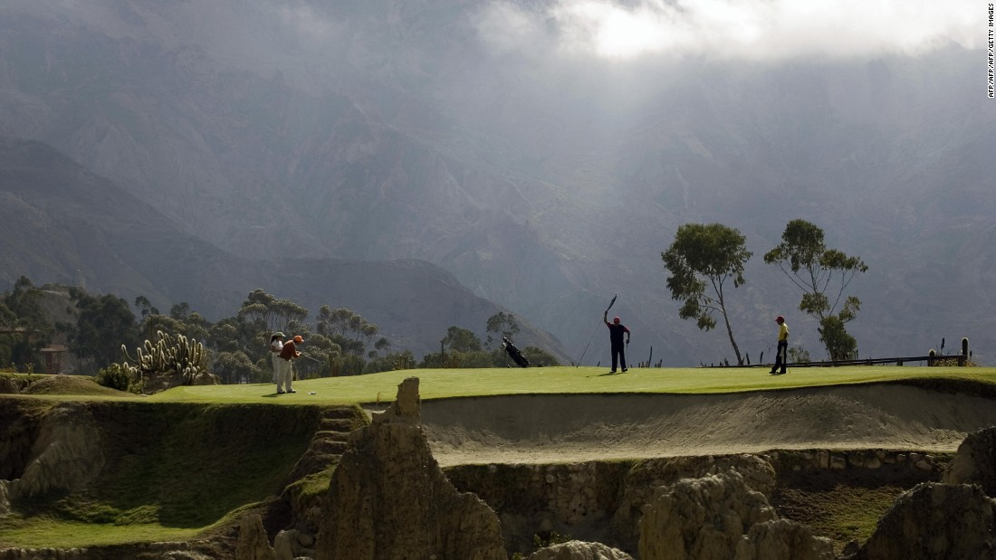 "Situated on the edge of a canyon and surrounded by the snow-capped Andes mountains, the altitude means it's a course to quite literally take the breath away. <a href=""https://www.facebook.com/cnnsport/"" target=""_blank"">What's the craziest golf course you've ever played? Have your say on CNN Sport's Facebook page</a>"