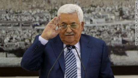 Palestinian Authority President Mahmud Abbas (C) speaks during a meeting of the Palestinian leadership in the West Bank city of Ramallah on September 25, 2017 Palestinian prime minister Rami Hamdallah will travel to Gaza on October 2 as part of a fresh push to end a decade-long split between Fatah and Hamas, which runs the enclave, his government said. / AFP PHOTO / ABBAS MOMANI        (Photo credit should read ABBAS MOMANI/AFP/Getty Images)