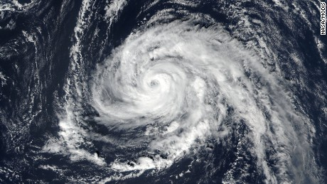Hurricane Ophelia meandering in the Atlantic