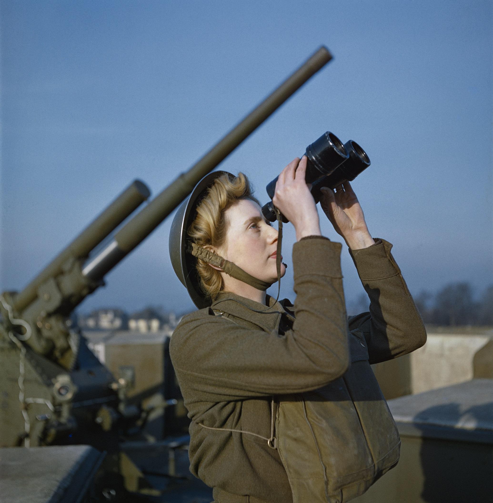 Color photos of World War II cast new light on the war - CNN Style