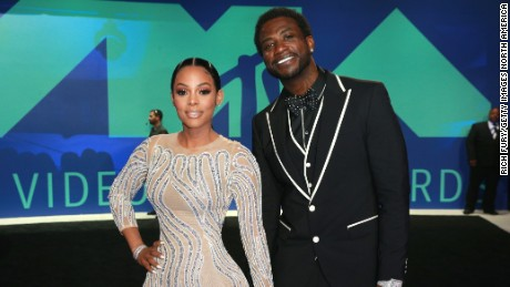 Keyshia Ka'Oir (L) and Gucci Mane attend the 2017 MTV Video Music Awards at The Forum on August 27, 2017 in Inglewood, California.  (Photo by Rich Fury/Getty Images)