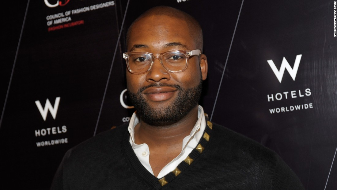 "Fashion designer and popular ""Project Runway"" contestant <a href=""http://www.cnn.com/2017/10/18/entertainment/mychael-knight-dead/index.html"" target=""_blank"">Mychael Knight</a> died October 17 outside Atlanta, family spokesman Jerris Madison told CNN. Knight was 39. No cause of death was released."