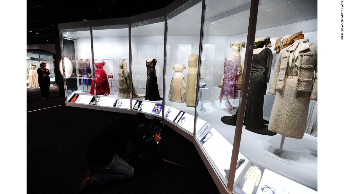 "Former US first ladies' dresses are displayed at the Smithsonian's National Museum of American History in Washington on November 18, 2011. ""The First Ladies"" is a major exhibition showcasing the premier objects from the century-old First Ladies Collection. It features 26 dresses, including those worn by Frances Cleveland, Lou Hoover, Jacqueline Kennedy, Laura Bush and Michelle Obama, and more than 160 other objects, including portraits, White House china and personal possessions."