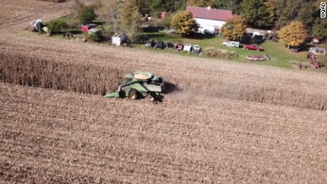 80 farmers come together to help neighbor