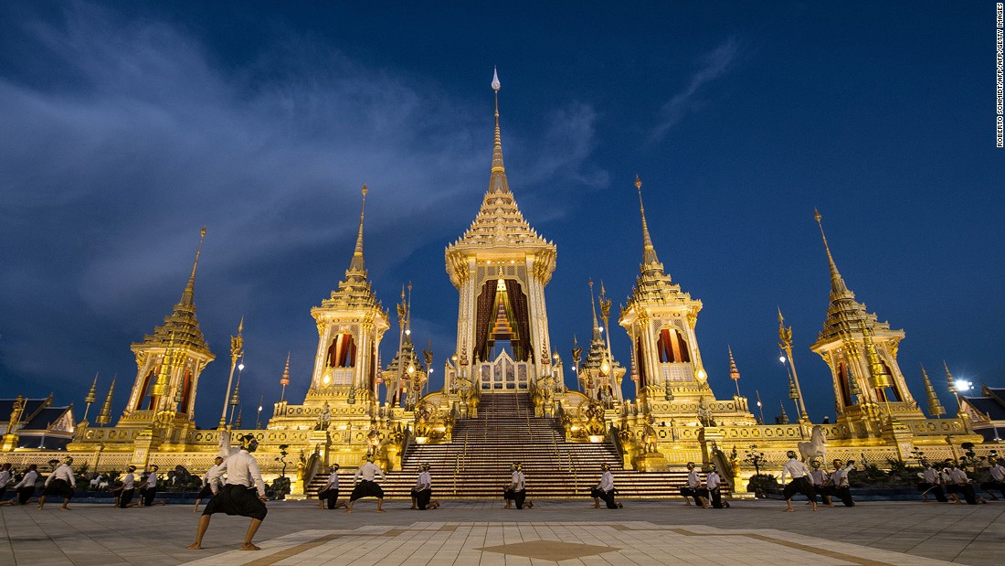 <strong>Golden crematorium:</strong> A large, three-tiered 50-meter-high golden Royal Crematorium featuring the work of dozens of skilled artists has been built.