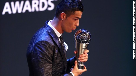 LONDON, ENGLAND - OCTOBER 23:  Cristiano Ronaldo of Portugal and Real Madrid CF wins The best Fifa men's player during The Best FIFA Football Awards Show on October 23, 2017 in London, England.   (Photo by Michael Steele/Getty Images)