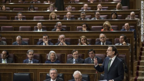 Spanish Prime Minister Mariano Rajoy speaks at the house of congress in Madrid on October 9, 2013. AFP PHOTO / DANI POZO        (Photo credit should read DANI POZO/AFP/Getty Images)