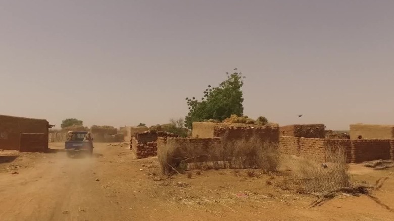 exclusive inside the ambush zone in niger arwa damon_00001414