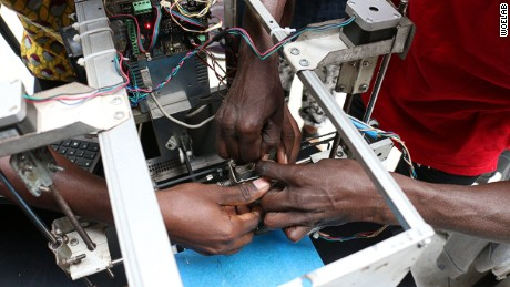 This West African lab made a 3D printer from toxic e-waste