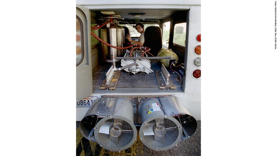 This liquid nitrogen-powered vehicle has an insulated tank to hold the liquid nitrogen and two fans at the rear of the vehicle that draw air through heat exchangers. Once the high-pressure nitrogen reaches room temperature it drives a piston engine in the front of the vehicle. <br /><br />It was built at the Department of Aeronautics and Astronautics at the University of Washington in 1997.  <br />