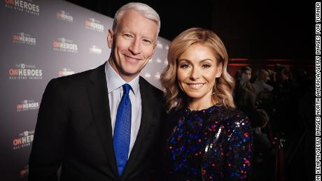Anderson Cooper (L) and Kelly Ripa co-host 'CNN Heroes: An All-Star Tribute' at the American Museum of Natural History on December 11, 2016 in New York City.