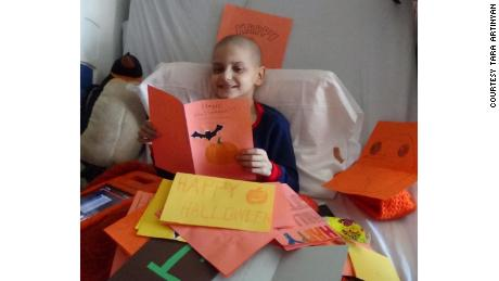A 9-year-old boy who inspired outpouring of Christmas cards has died from cancer