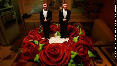 WEST HOLLYWOOD, CA - JUNE 10:  Same-sex wedding cake topper figurines are seen at Cake and Art June 10, 2008 in West Hollywood, California. (Photo by David McNew/Getty Images)