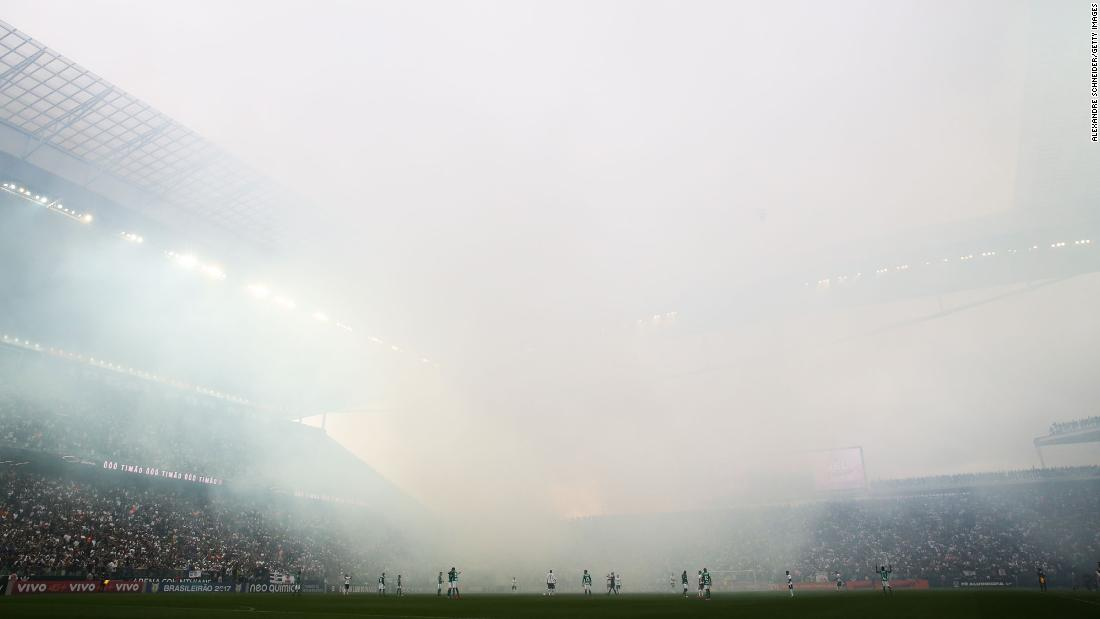"Smoke fills the air during a soccer match between Brazilian clubs Corinthians and Palmeiras on Sunday, November 5. <a href=""http://www.cnn.com/2017/10/16/sport/gallery/what-a-shot-sports-1017/index.html"" target=""_blank"">See 23 amazing sports photos from last week</a>"