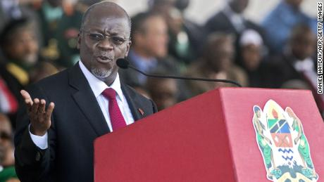 Tanzanian President John Magufuli delivers speech during the swearing in ceremony in Dar es Salaam, on November 5, 2015.