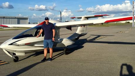 "A photo of Roy Halladay and his A5 airplane that he posted to Twitter. ""I have dreamed of owning an A5 since I retired. Real life is better than my dreams."""
