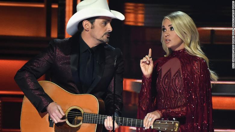 CMA Awards show remembers tragedies