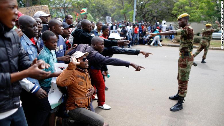 Mugabe faces deadline to resign