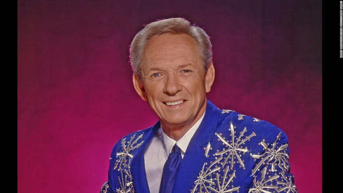 "Country music legend <a href=""http://www.cnn.com/2017/11/19/entertainment/mel-tillis-country-music-dies/index.html"" target=""_blank"">Mel Tillis</a> died early on November 19, according to a statement from his publicist. He was 85. Tillis was a prolific singer-songwriter who penned more than 1,000 songs and recorded more than 60 albums in a career that spanned six decades."