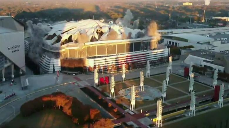 Cameraman throws tantrum as bus perfectly obstructs shot of Georgia Dome implosion