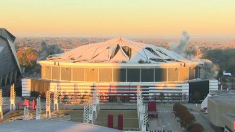 cnnee nat georgia dome implosion historica_00001112.jpg