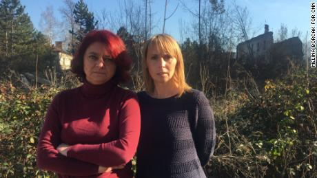 Amela Meduseljac (L) and Meliha Mrdzic were unhappy that Mladic was acquitted on one charge.