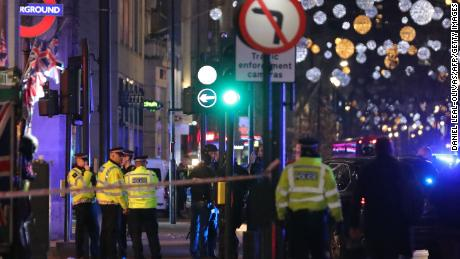 "Police set up a cordon outside Oxford Circus underground station as they respond to an incident in central London on November 24, 2017. British police said they were responding to an ""incident"" at Oxford Circus in central London on Friday and have evacuated the Underground station, in an area thronged with people on a busy shopping day. / AFP PHOTO / Daniel LEAL-OLIVAS        (Photo credit should read DANIEL LEAL-OLIVAS/AFP/Getty Images)"