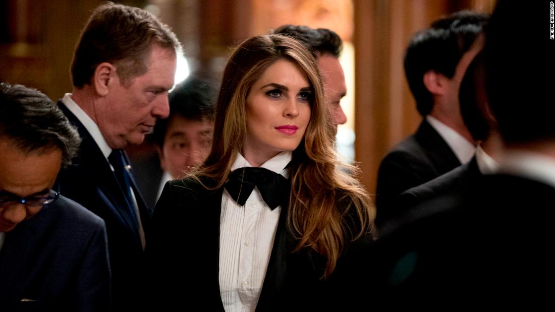 Russian operatives tried to contact Hope Hicks, NYT reports