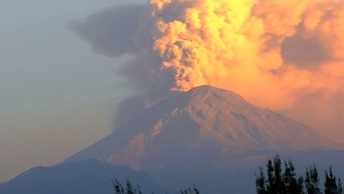 Mexican Volcano Erupts Multiple Times In A Day CNN Video - Active volcanoes in mexico