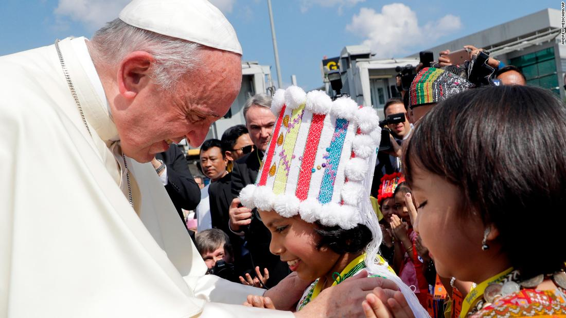 Pope Francis walks religious, diplomatic tightrope in Myanmar