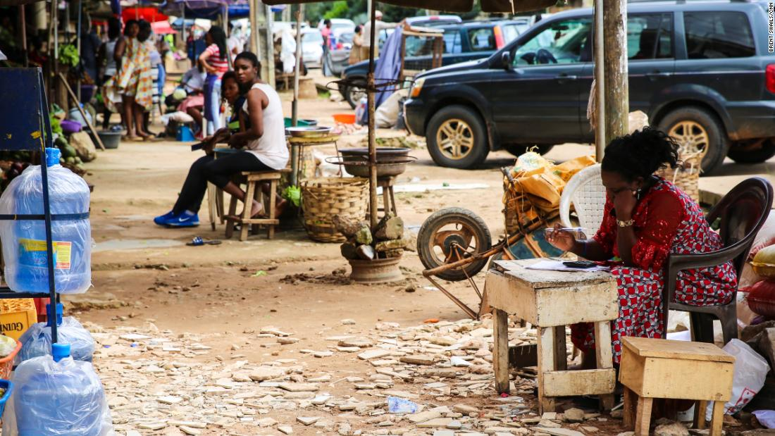 A marketplace in Benin City.