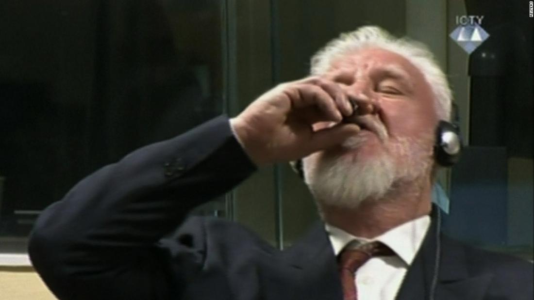 Dutch authorities probe Bosnian war criminal's courtroom suicide