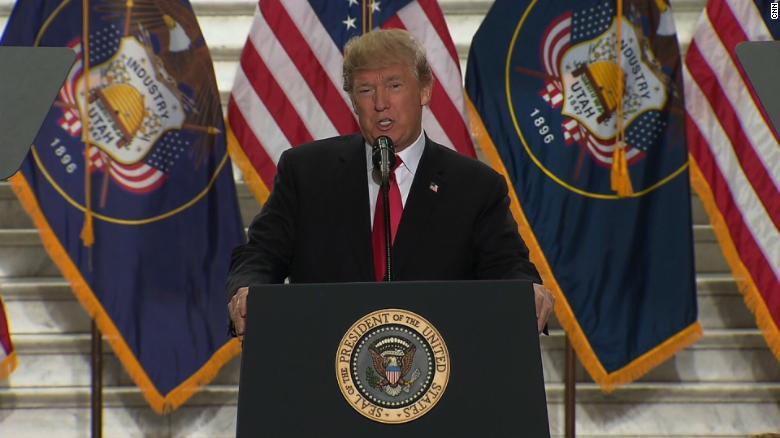 Trump announces shrinking of Utah monuments