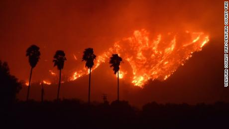 Southern California fires growing quickly, forcing thousands to evacuate