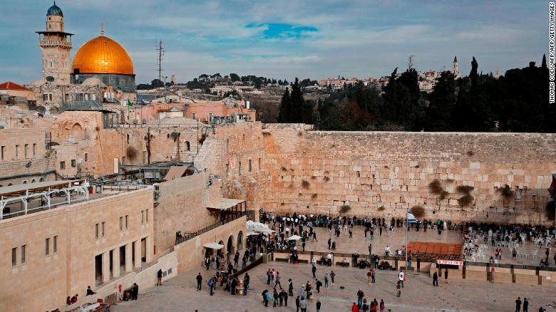 Global protests after Trump recognises Jerusalem as Israel's capital
