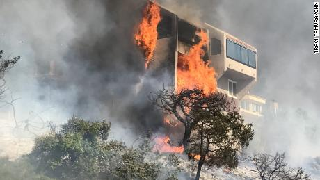 Fire closes I-405, rages near Bel Air, Getty museum in Los Angeles