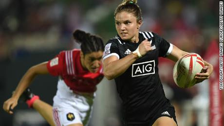 DUBAI, UNITED ARAB EMIRATES - DECEMBER 01: Michaela Blyde of New Zealand in action during day one of the Emirates Dubai Rugby Sevens - HSBC World Rugby Women's Sevens Series match between New Zealand and France on December 1, 2016 in Dubai, United Arab Emirates.  (Photo by Tom Dulat/Getty Images)